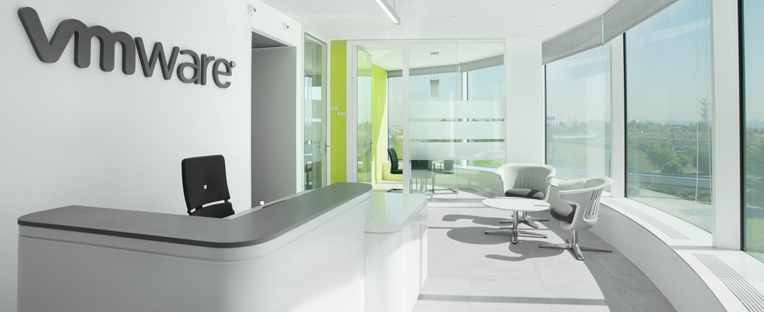 VMWARE, EUROPE - BESPOKE RECEPTION DESK